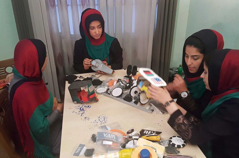 阿富汗女子機器人隊。(圖/達志/美聯社)