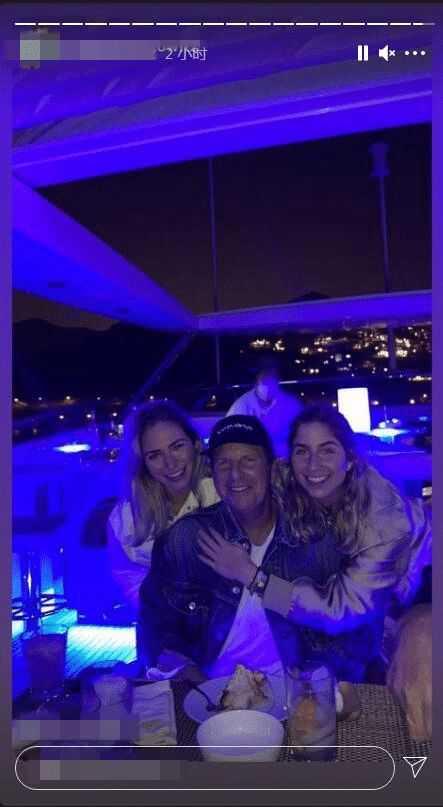 李玟老公帶兩名繼女爽開遊艇趴,從早玩到晚。(圖/IG)