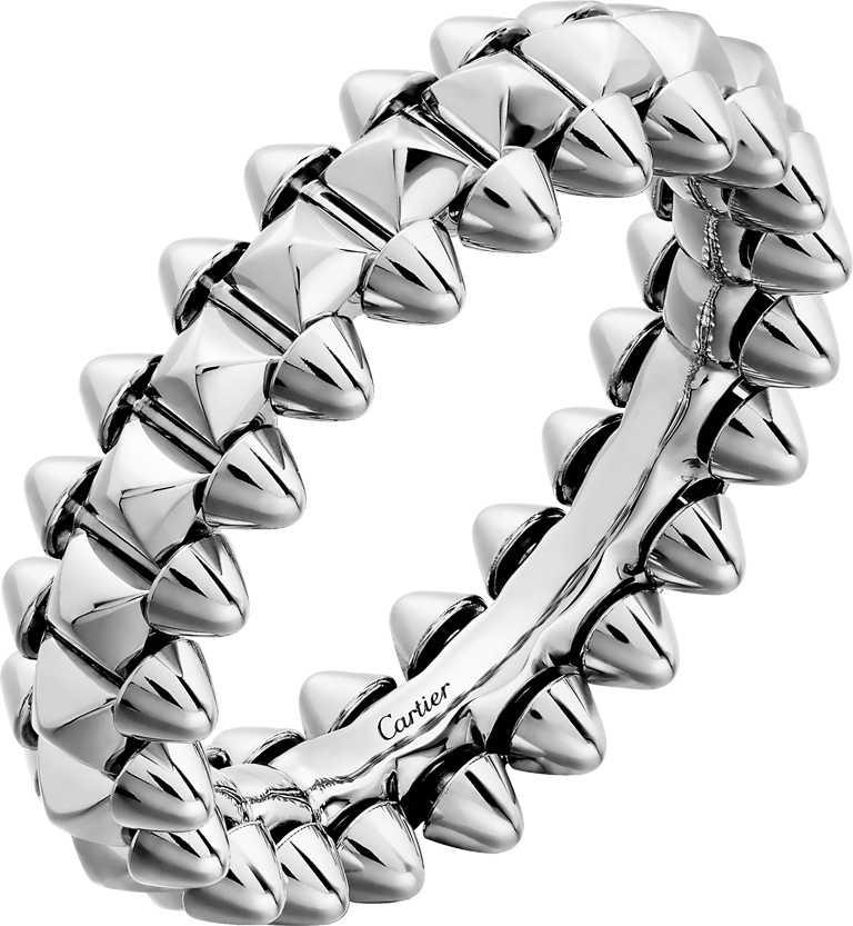 Cartier「CLASH DE CARTIER」系列,白K金戒指(小型款)╱70,000元。(圖╱Cartier提供)