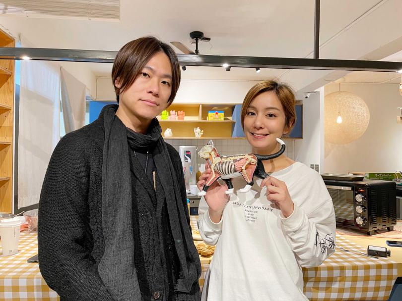 莎莎(右)找來林子敬醫師和開貓奴網路節目(圖/繁星浩月提供)