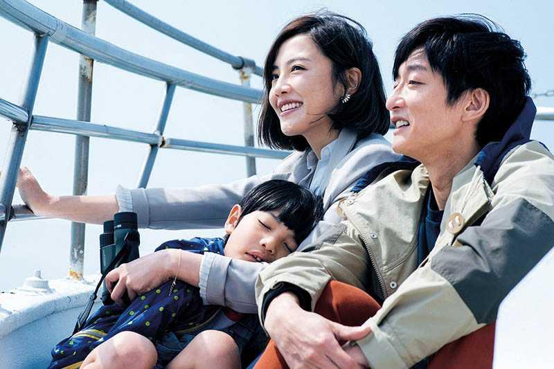 首度擔任電影女主角的小8,在賀歲片《喜從天降》中與柯宇綸飾演夫妻,有許多精彩對手戲。(圖/牽猴子提供)