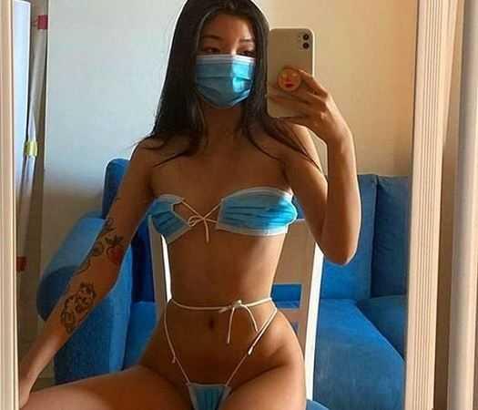 越南女模「口罩比基尼」照。(圖/oanhdaqueen IG)