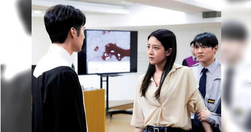 在《王牌辯護人》中,黃薇渟與胡宇威有精采對手戲。(圖/東森提供)