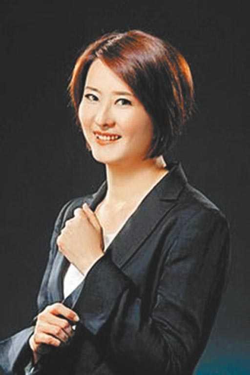 議會林青霞台北市議員王鴻薇笑起來像林青霞。(王鴻薇提供)