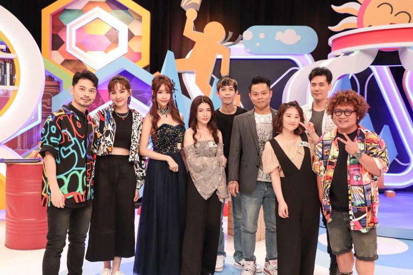 阿Ken(左起)、安心亞、采瑄、采婕、百頡、修將、焦凡凡、惟毅、納豆於《同學來了》。