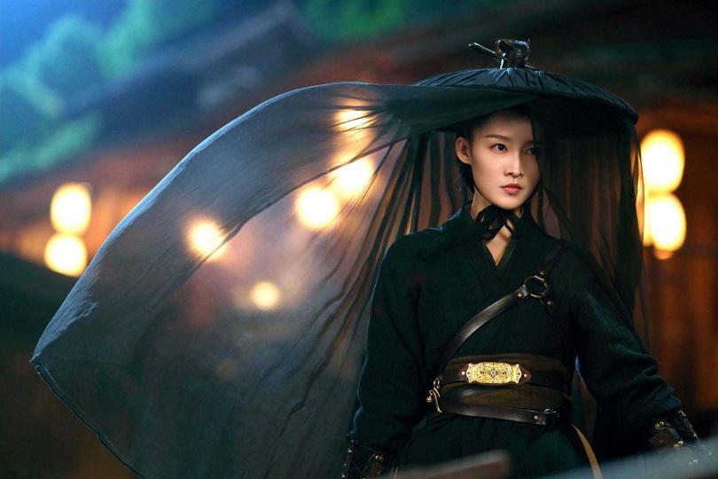 李沁在《錦繡南歌》最喜歡此斗笠造型。(圖/中天娛樂台)