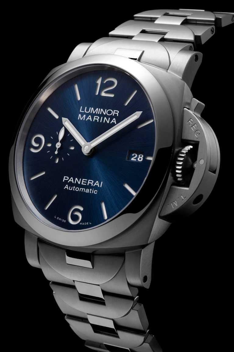 PANERAI「LUMINOR MARINA」系列SPECCHIO BLU腕錶,磨砂精鋼錶殼,44mm╱268,000元。(圖╱PANERAI提供)