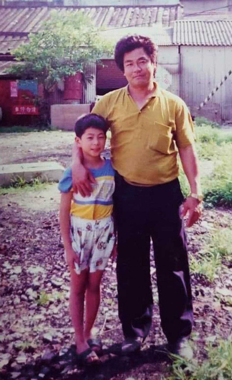 為了生計,20多年前張桓瑞的爸爸舉家搬到新北五股,但張桓瑞對兒時在鹿野的生活念念不忘。(圖/張桓瑞提供)