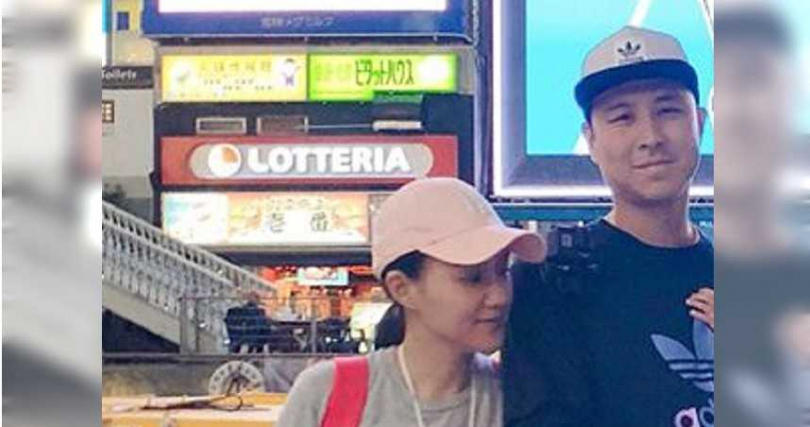 去年初,何妤玟和丈夫開始討論離婚。(圖/何妤玟FB)