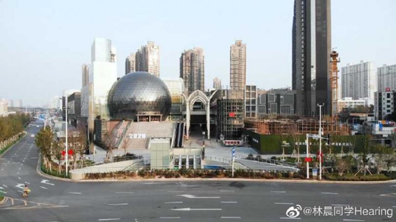 有住在武漢當地的網友,用鏡頭記錄處在封城狀態下,武漢市的內部狀況。(圖/翻攝微博)