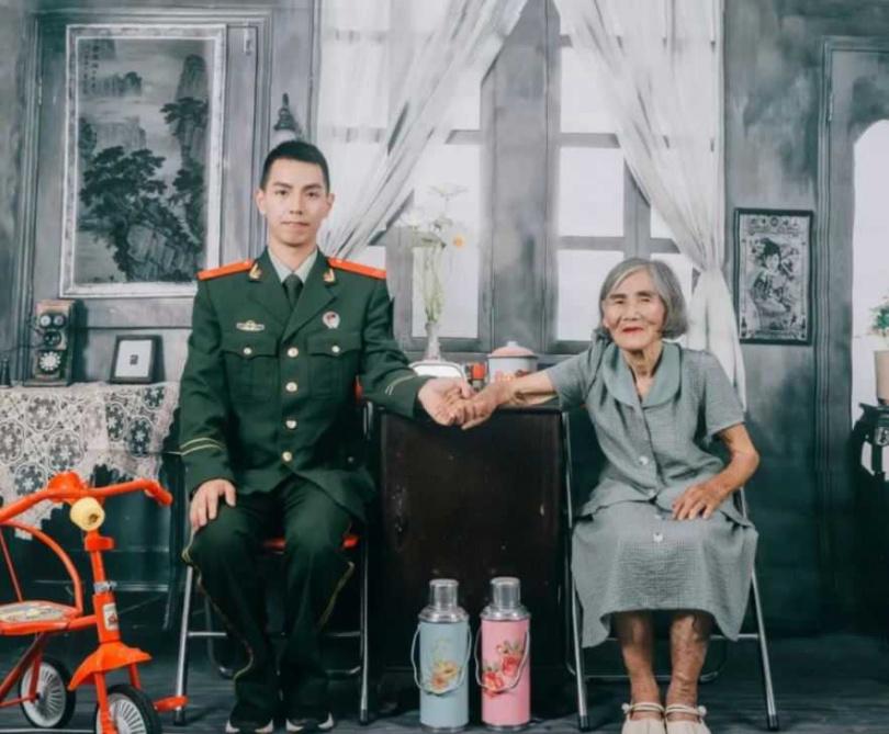 張男和撫養自己長大的「外婆」。(圖/翻攝自香港01)