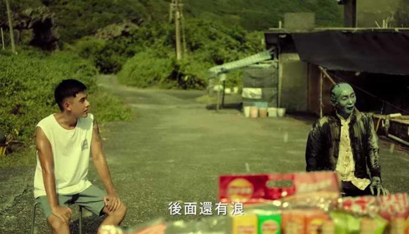 蔡振廷在普渡月廣告中表現吸睛。(圖/APO工作室提供)