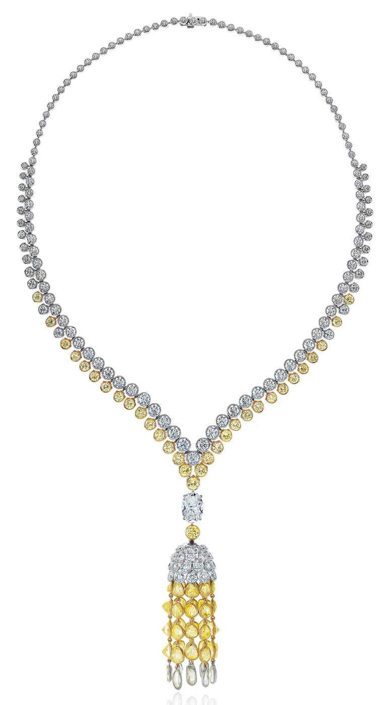 DE BEERS「Electric Cichlid」系列高級珠寶項鍊,鑽石總重約69.19克拉╱18,900,000元。(圖╱DE BEERS提供)