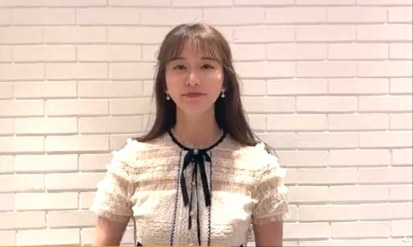 林志玲7月31日拍攝的影片,被指臉部有明顯變化。(圖/微博)