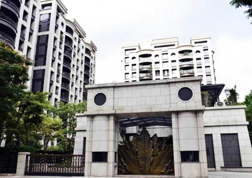租金極高的「台北花園」,是哈林與母親、老婆、小孩目前的住處。(圖/翻攝自官網)