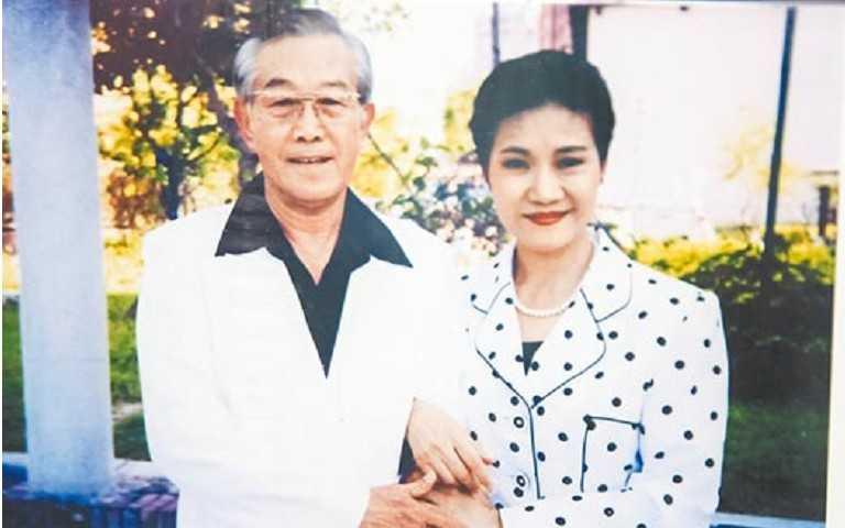 高振鵬(左)當年與吳靜嫻合拍《星星知我心》。(圖/報系資料照)