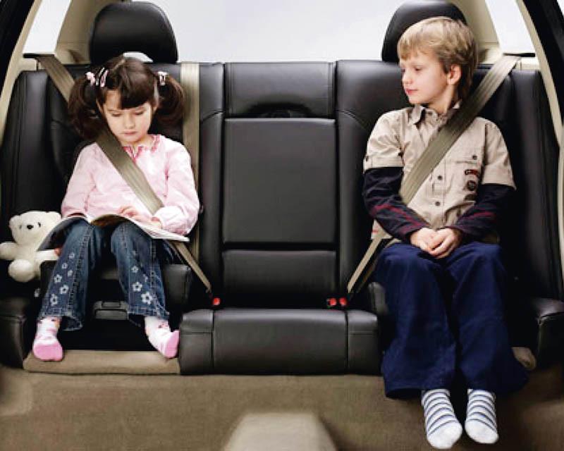後座的兩段收覆式兒童安全座椅,是蔣偉文決定買XC60的原因之一。(圖/VOLVO提供)