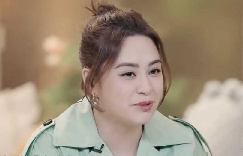 香港女星「阿嬌」鍾欣潼最近明顯變胖,被台灣網友發現有點撞臉何嘉文。(圖/翻攝微博)