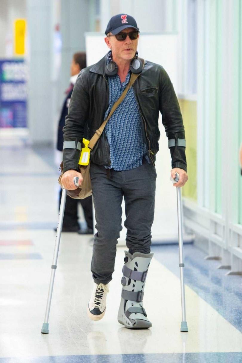 丹尼爾克雷格在拍片時,許多動作戲都親身演出,也因此常常受傷。(圖/翻攝自網路)