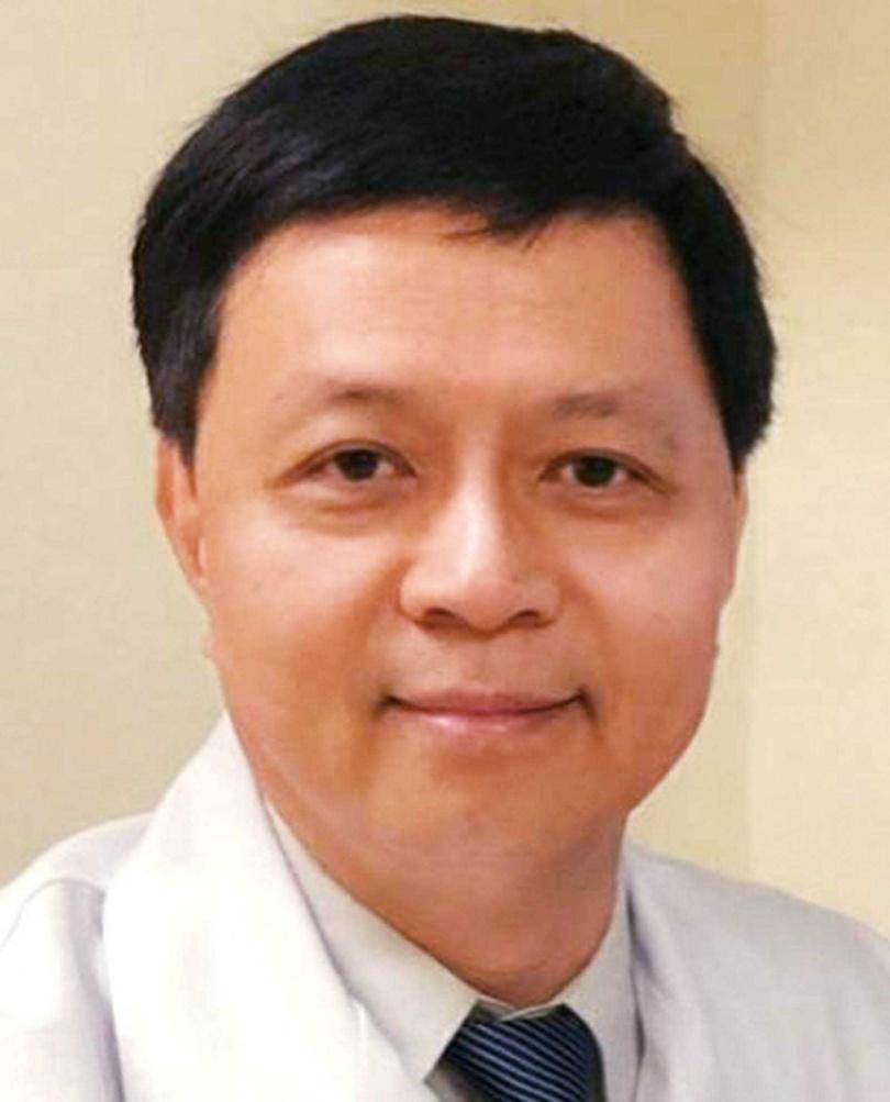 醫師熊佩韋提醒,腺瘤性瘜肉若逐漸長大,10年後可能惡化成大腸癌。(圖/亞東醫院提供)