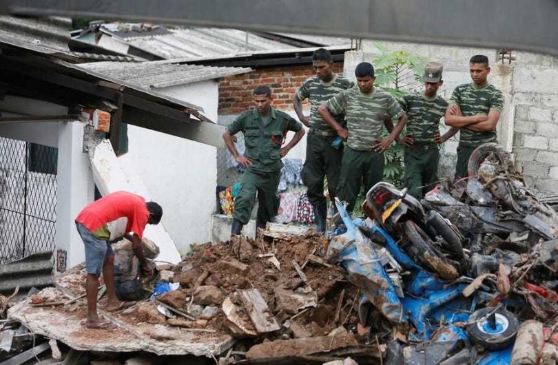 不是你們的垃圾場!斯里蘭卡退還英國數百噸有害垃圾。(圖/Reuters)