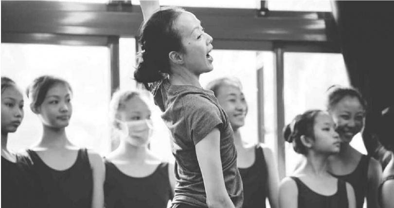 舞蹈藝術家許芳宜。(圖/翻攝自許芳宜&藝術家 Fang-Yi Sheu & Artists臉書)