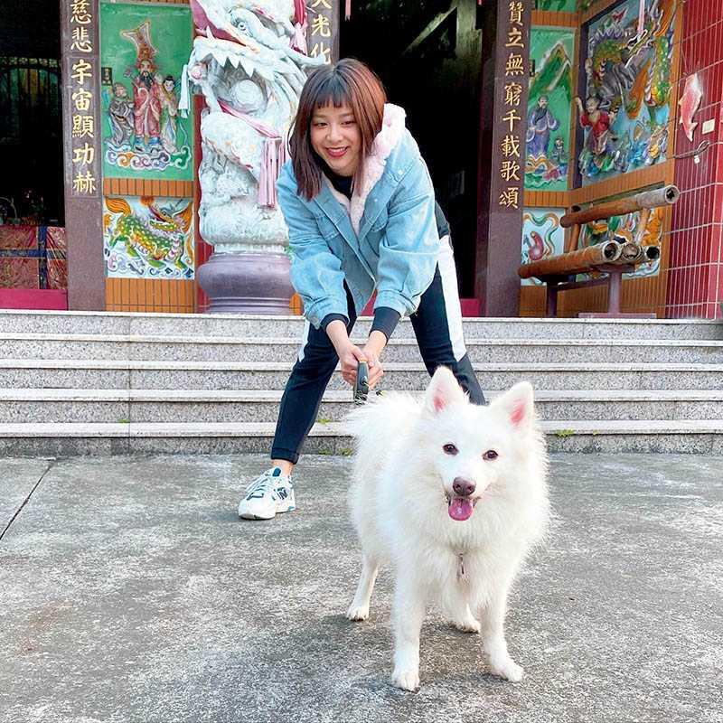 蔡祥家的寵物個性大不同,狐狸犬Filly特別愛吃醋,若蔡祥出門帶了別隻動物,牠就會狂叫抗議。(圖/翻攝自臉書)