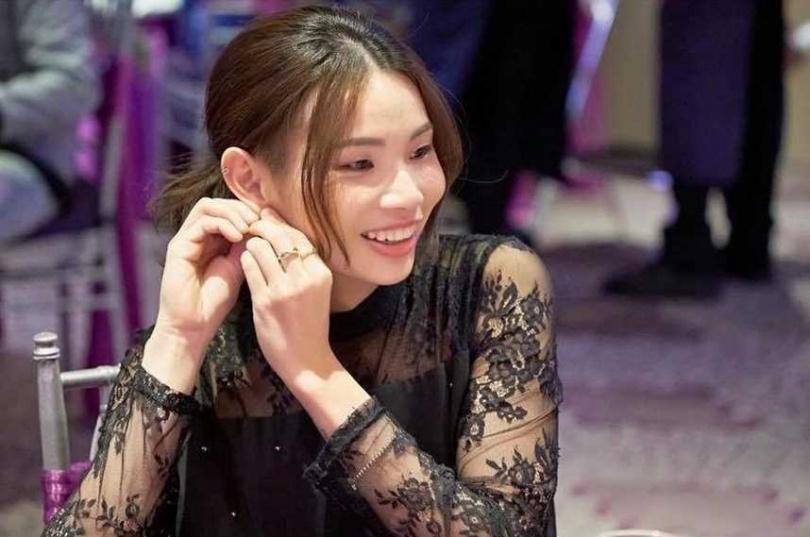 台灣羽球「世界球后」戴資穎前進東京奧運備受關注,有粉絲還挖出她之前穿洋裝的小女人模樣,猛一看很像女星昆凌。(圖/翻攝戴資穎IG)