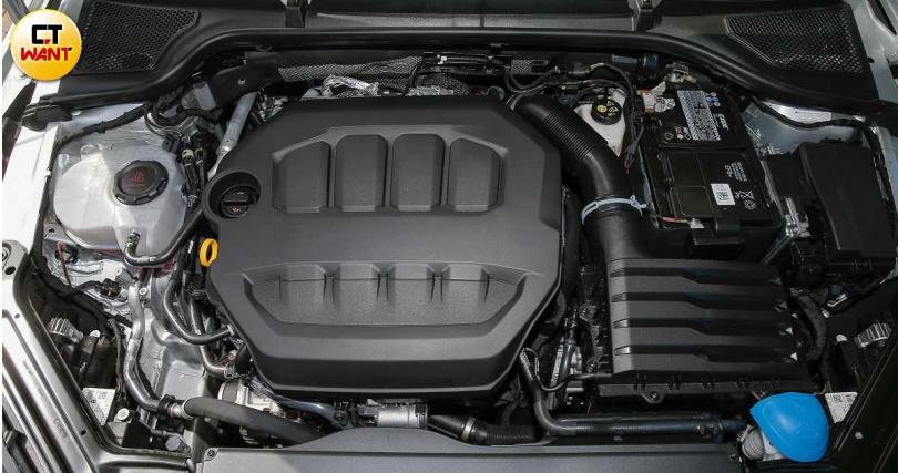 Octavia Combi 2.0 TSI搭載2.0升直四渦輪汽油引擎,最大馬力為190hp。(圖/黃耀徵攝)