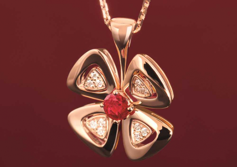 BVLGARI「Fiorever系列」玫瑰金紅寶石與鑽石項鍊╱149,000元(圖片提供╱BVLGARI)