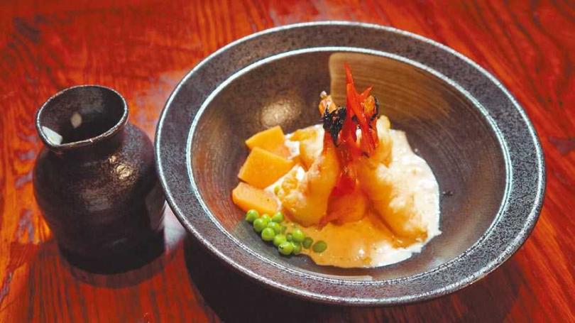 「河內蝦Otak Otak」完美結合日、法料理精神,賦予海鮮美食驚喜與深度。(圖/亞洲旅遊台提供)