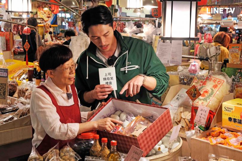 溫昇豪認為熱情是叫賣秘訣。(圖/LINE TV提供)