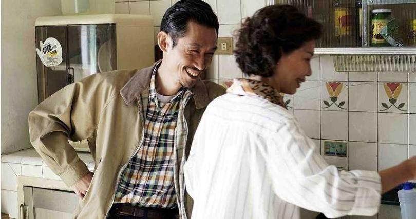 陳竹昇與于子育演夫妻檔,默契十足。(圖/公視)