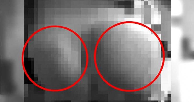 國小生屁股被打到紅腫。畫面經變色處理。(圖/翻攝自微博/李莯茡)