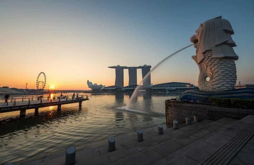 新加坡一名私人助理安裝機器偷拍老闆,意外發現已婚老闆至少和1名男子在房間內「5次連結」。(示意圖/pixabay)