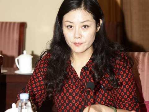 色誘陪睡40高官,甘肅女官員姜保紅受賄案判囚12年。(圖/多維新聞)