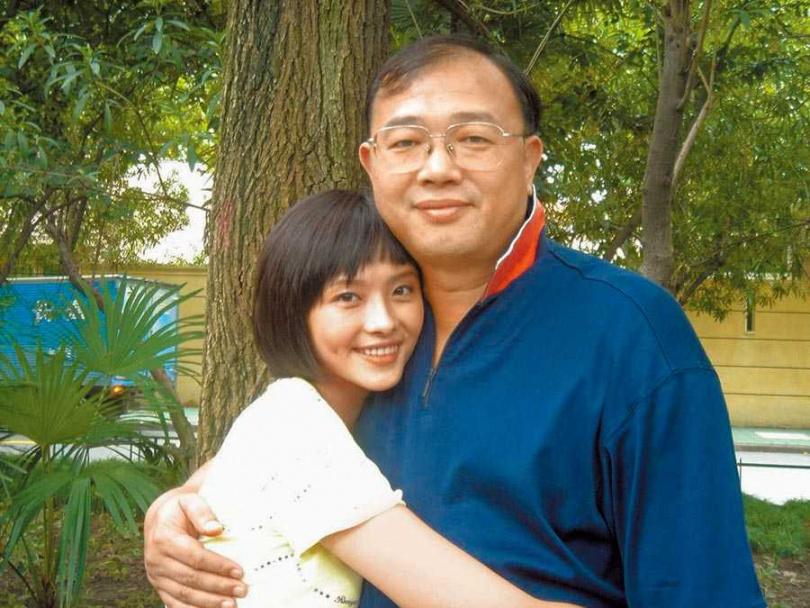 蕭淑慎(左)是父親的掌上明珠。(圖/資料照片)