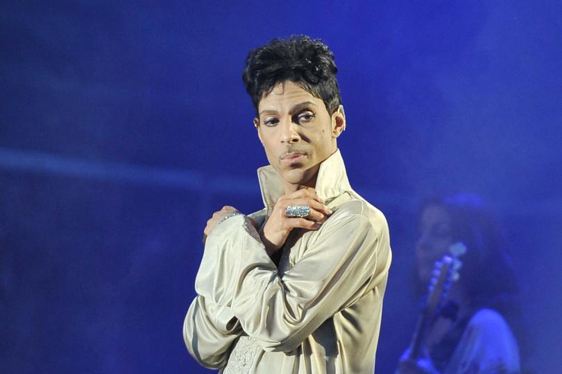 美國知名搖滾樂歌手王子在2016年4月21日猝逝,身前疑似服用過量強效止痛劑芬太尼而喪命。(圖/達志/美聯社)