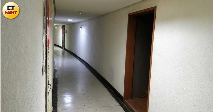 男師指定的地點於私宅中,看起來相當隱密。(圖/本刊攝影組)