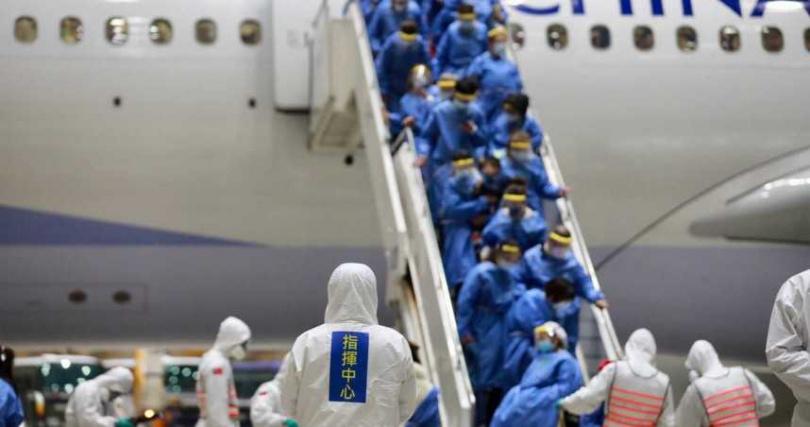 武漢包機回台旅客,都有做好萬全防護。(圖/中央流行疫情指揮中心)