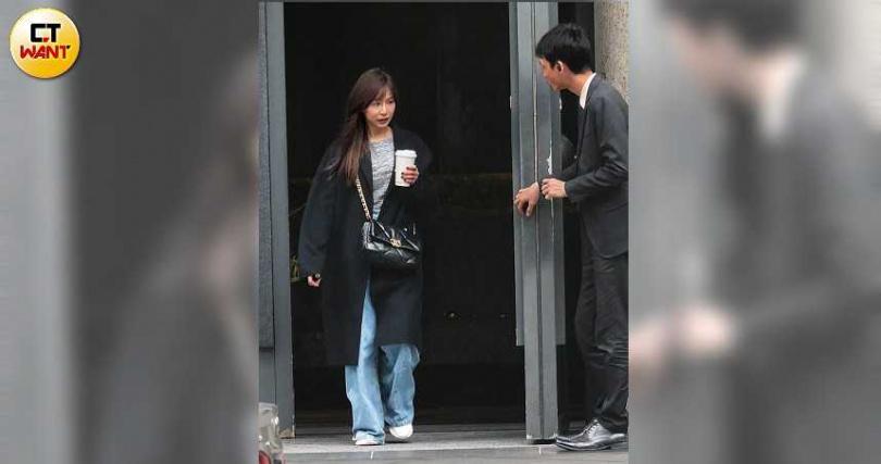 因新冠肺炎而暫停工作行程期間,王心凌曾被本刊曾直擊出門練舞,以保持演出水準。(圖/本刊攝影組)