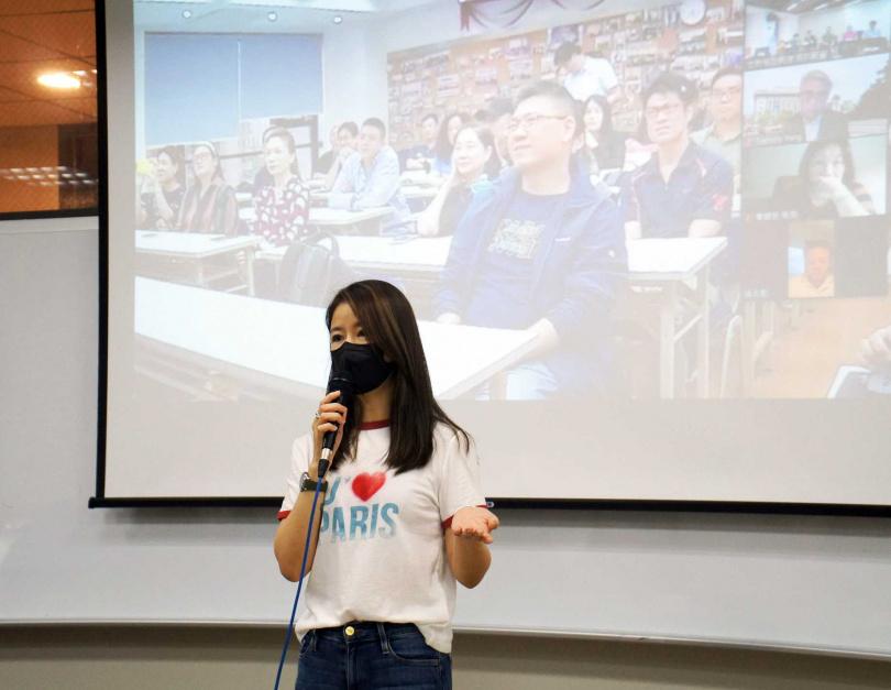 林心如認為,碩專班課程對她事業上幫助很大。(圖/世新大學)