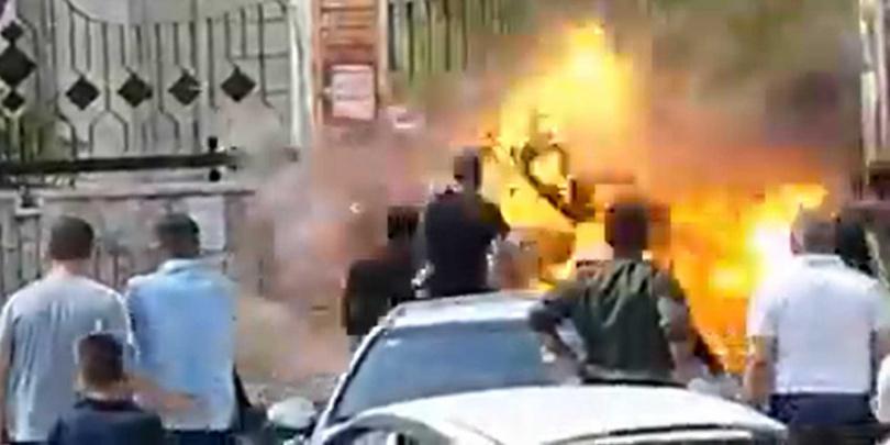 手榴彈爆炸。
