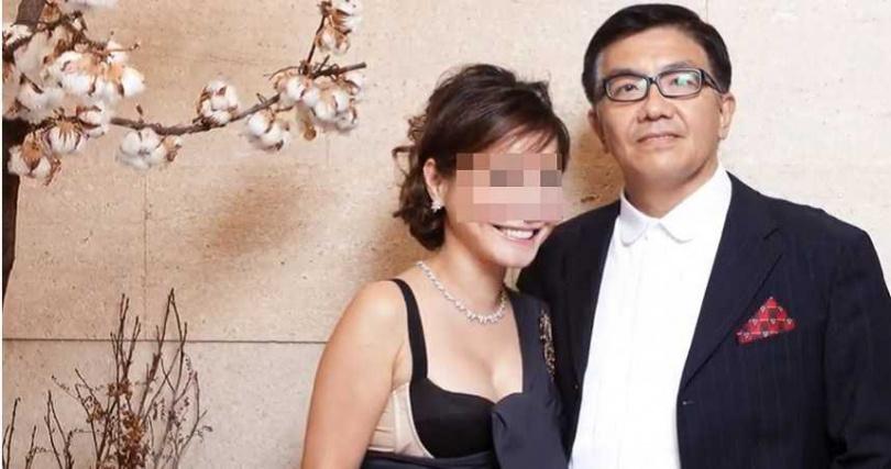 程正平在2004年與前妻離婚後,再娶張女為妻,兩人結婚10年,一起到中國、香港經商談客戶,替公司打開知名度。(圖/翻攝Youtube)
