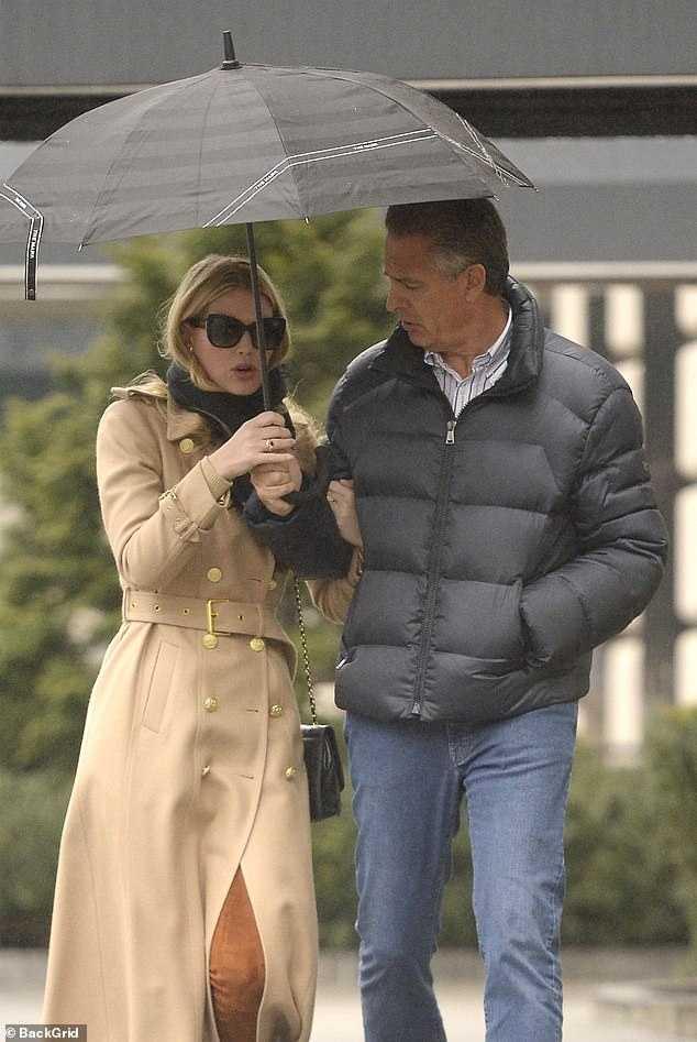 凱蒂和路易斯戀情曝光,去年就被媒體捕捉到2人身影。(圖/ Daily Mail)