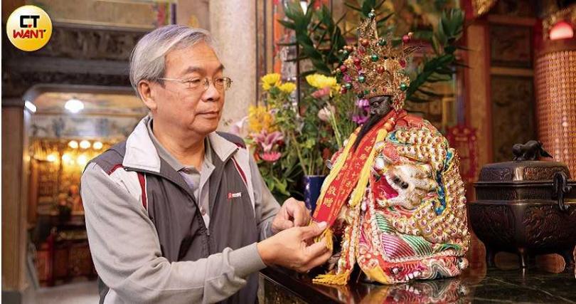 鎮南宮總幹事彭員華表示,十二千歲各有誕辰,每年農曆5月和10月都會舉辦聯合祀典。(圖/張文玠攝)