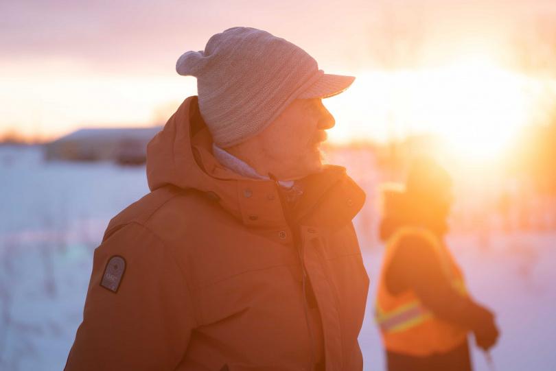 連恩尼遜新片《疾凍救援》前進加拿大冰路實景拍攝。