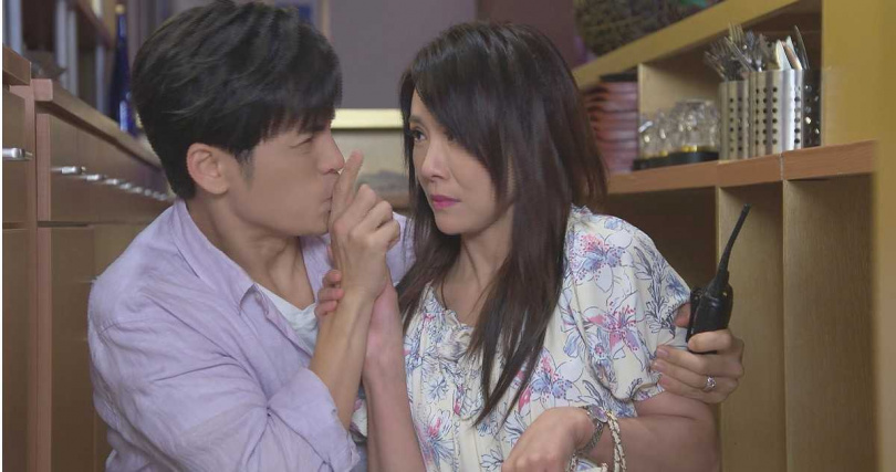 陳妍安在劇中愛慕Gino十多年。(圖/民視提供)