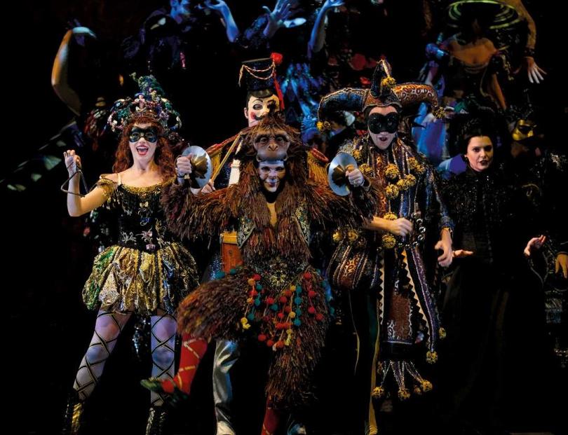 《歌劇魅影》演出團隊已於1日全部抵達台灣,開始進行14天隔離。(圖/寬宏藝術提供)
