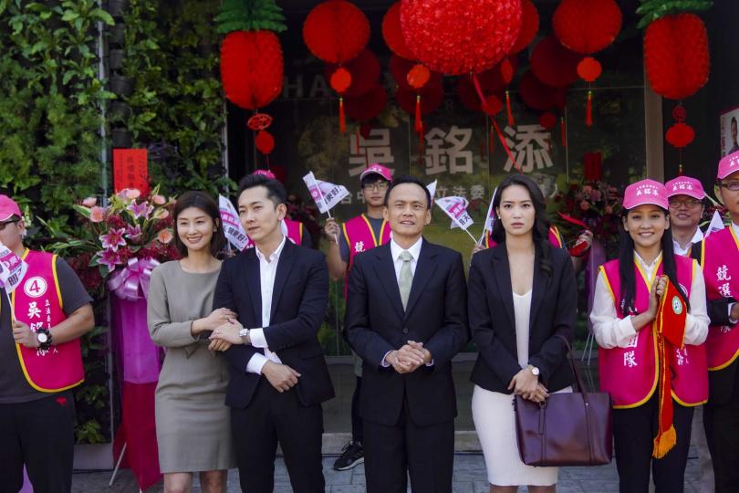 《同學麥娜絲》朱芷瑩(左起)、施名帥、陳以文與鄭宇彤。(圖/甲上提供)